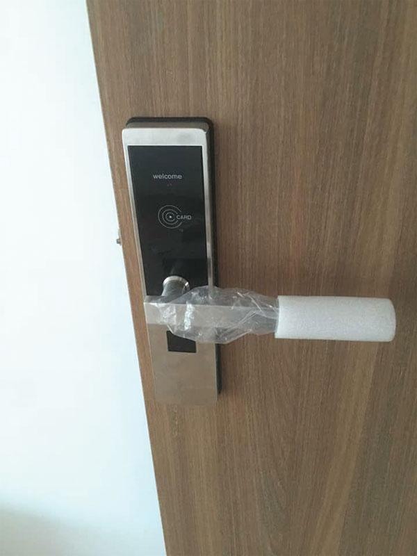 Model khóa khách sạn IBC đang sử dụng tại khách sạn