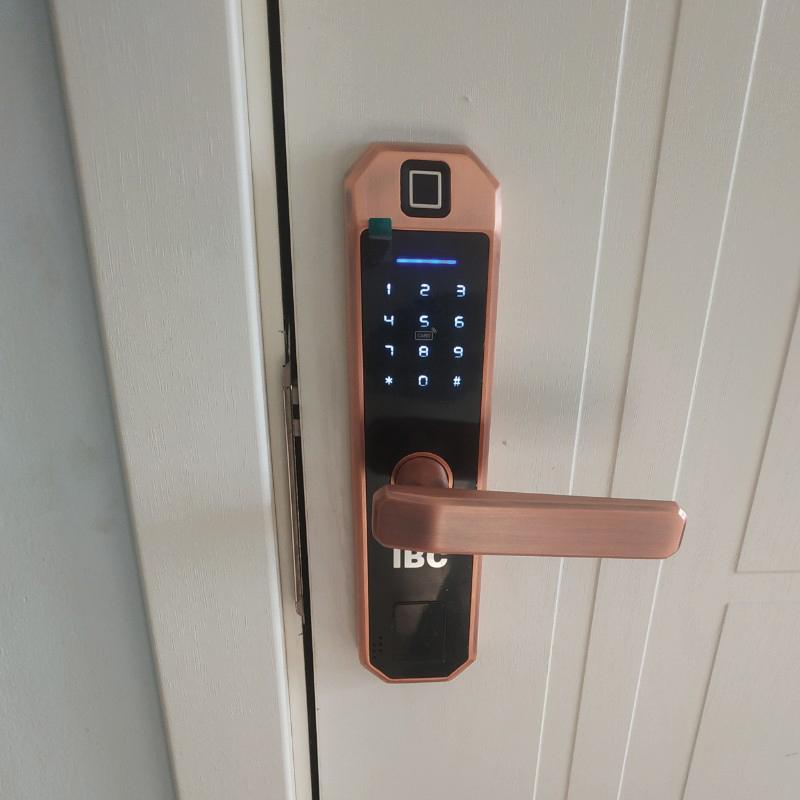 khóa vân tay nào tốt?